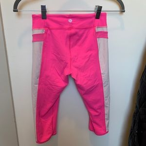 Pink cropped lululemon leggings